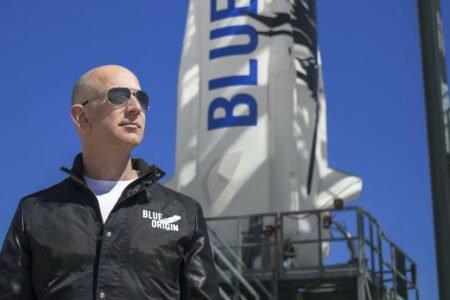 جف بزوس پس از سفر موفقیتآمیز به لبه فضا از کارمندان و مشتریان آمازون تشکر کرد