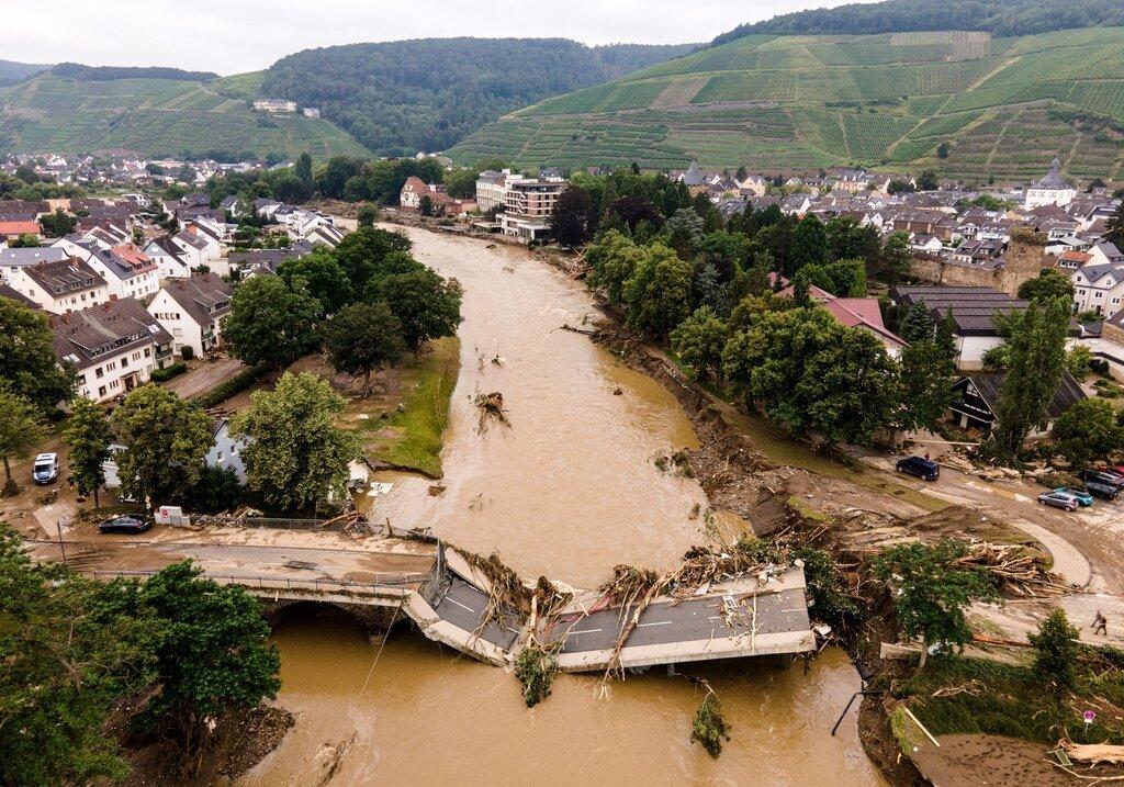 تغییرات اقلیمی منجر به طوفانهای شدیدتری در سراسر اروپا میشود