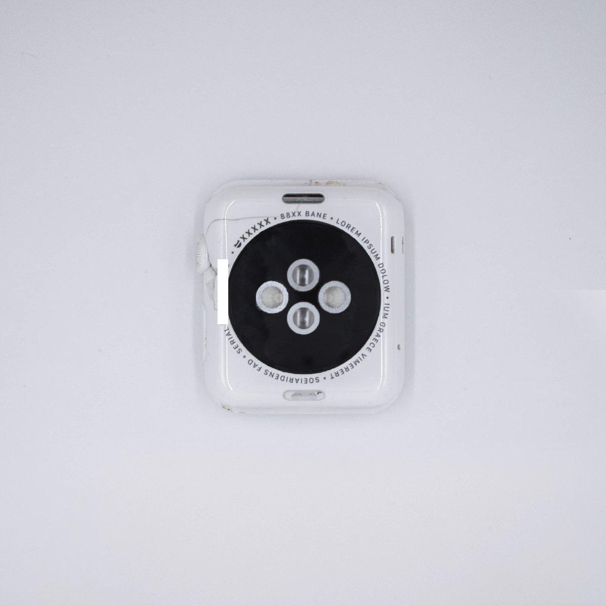 انتشار تصاویری از نمونه اولیه نسل اول اپل واچ با بدنه سرامیکی