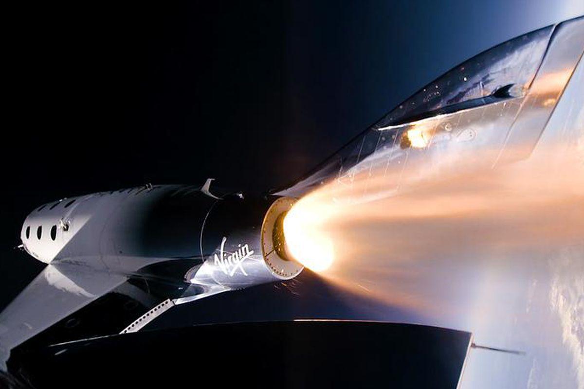 ریچارد برانسون با فضاپیمای ویرجین گلکتیک با موفقیت به لبه فضا سفر کرد