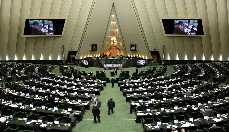 نماینده مجلس: بسیاری از موافقان طرح صیانت در توییتر و تلگرام حساب کاربری دارند