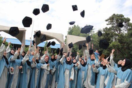 مدرک یا مهارت؛ چرا علاقه به دانشگاه در حال کاهش است؟