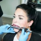 روزیاتو: کاربر زن تیک تاکی رکورد گینس گشادترین دهان جهان را به نام خود ثبت کرد