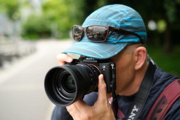 آیا هنوز هم خرید دوربینهای فول فریم منطقی است؟