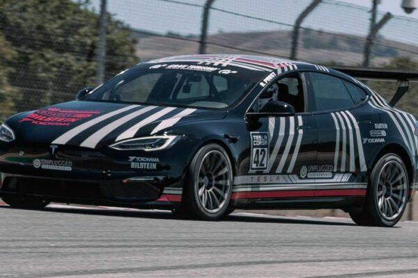 تسلا مدل S Plaid رکورد پیست لاگونا سکا کالیفرنیا را شکست