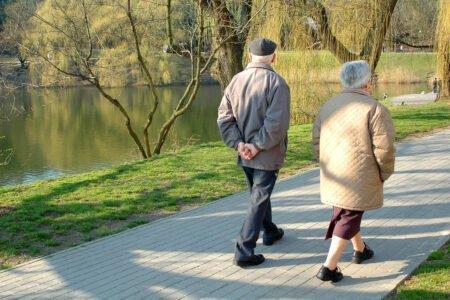 ۳۰ دقیقه پیادهروی در روز ۵۴ درصد خطر مرگ زودرس پس از سکته را کاهش میدهد