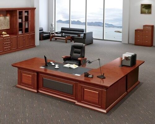 راهنمای انتخاب میز اداری مناسب برای اتاق مدیریت