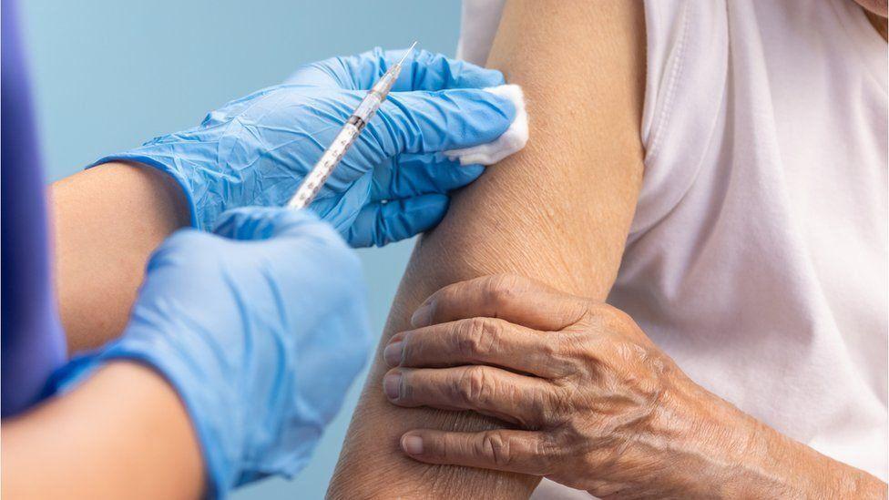 ایرلند تزریق دوز سوم واکسن کرونا را آغاز میکند