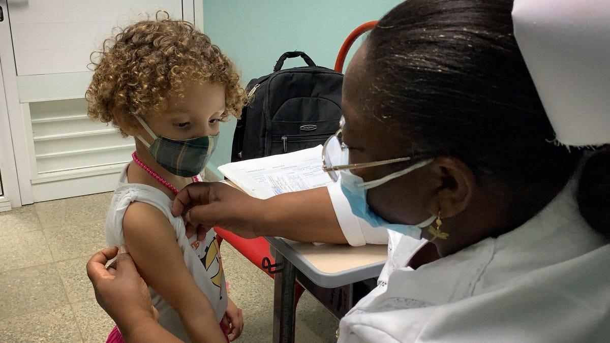 کوبا اولین کشور جهان که کودکان بالای دو سال را در برابر کرونا واکسینه میکند
