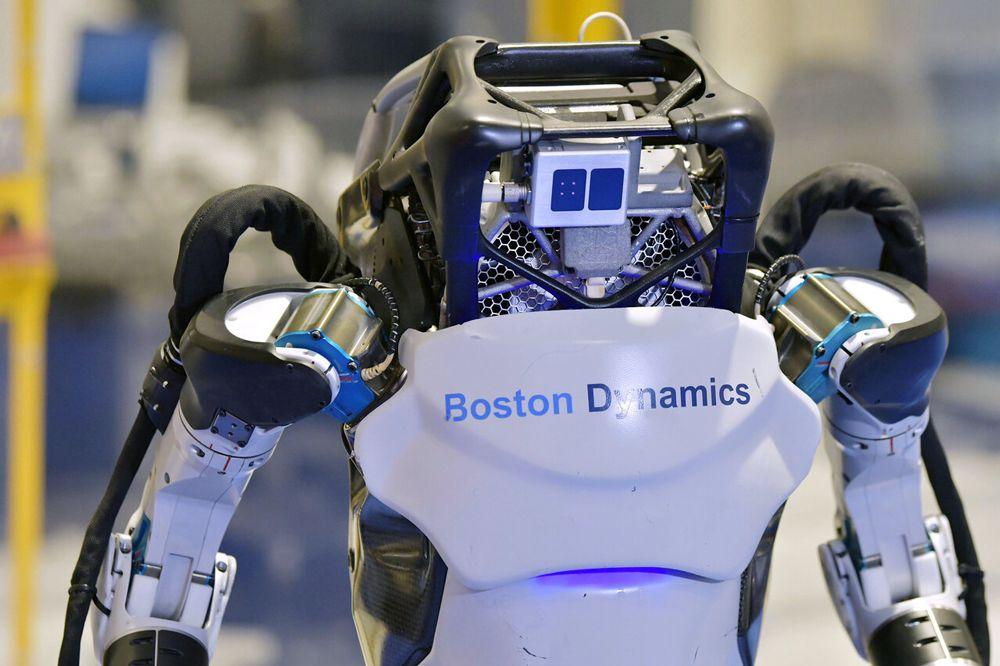 ربات اطلس بستن داینامیکس