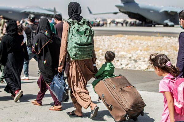 شرکت Airbnb به ۴۰ هزار مهاجر افغان محل اسکان رایگان میدهد