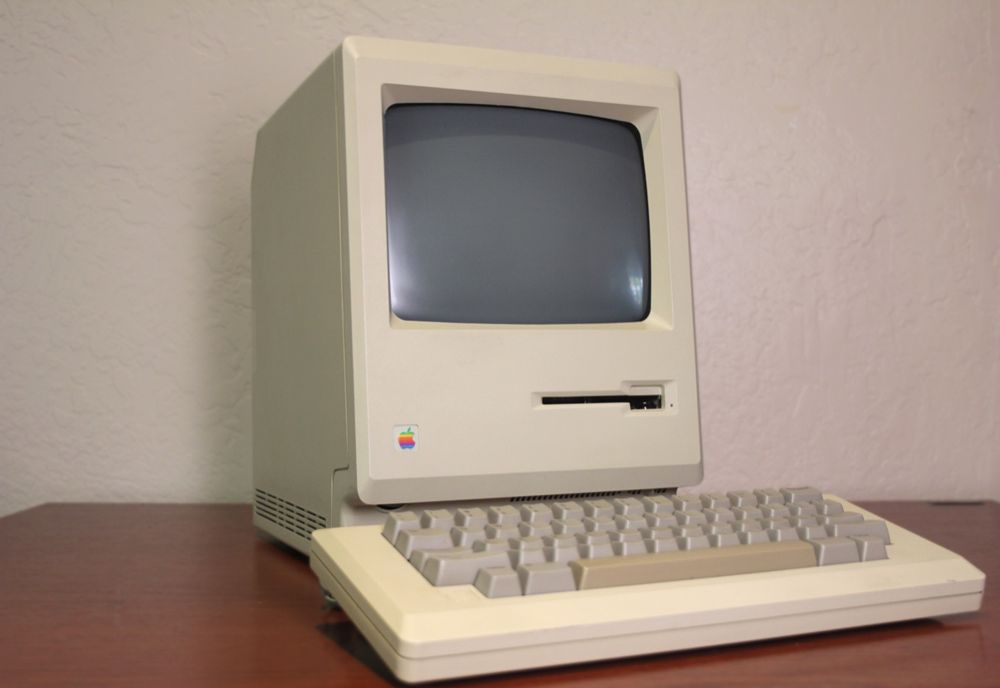 ۲. مکیناش (Macintosh 128K)