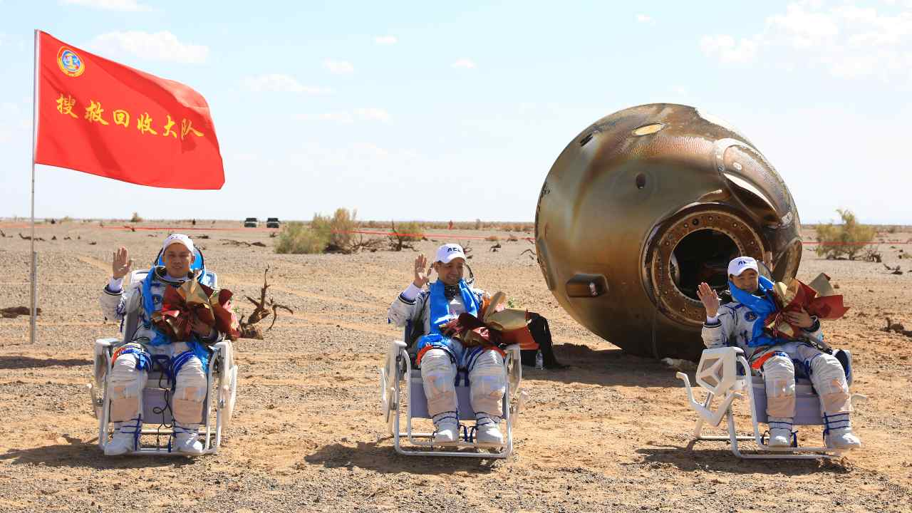 فضانوردان ماموریت «شنژو-۱۲» رکورد طولانیترین حضور چین در فضا را شکستند