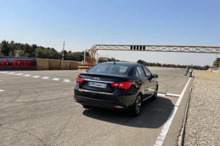 آزمایش رانندگی با آریزو 5 فیس لیفت در پیست آزادی [تماشا کنید]