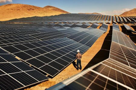 آمریکا میخواهد تا سال ۲۰۵۰ نزدیک به نیمی از برق موردنیازش را از انرژی خورشیدی تامین کند