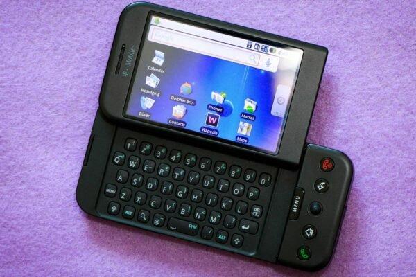 ۱۳ سال قبل در چنین روزی اولین گوشی اندرویدی جهان معرفی شد