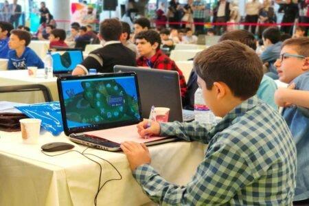 از خواندن تا نوشتن تکنولوژی؛ آیا آموزش برنامهنویسی به کودکان ضرورت دارد؟