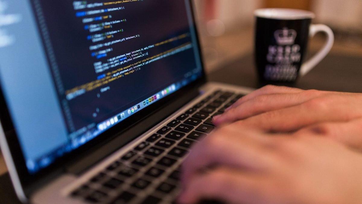 ۱۳ سپتامبر یا ۲ به توان ۸: روز جهانی برنامهنویسان مبارک