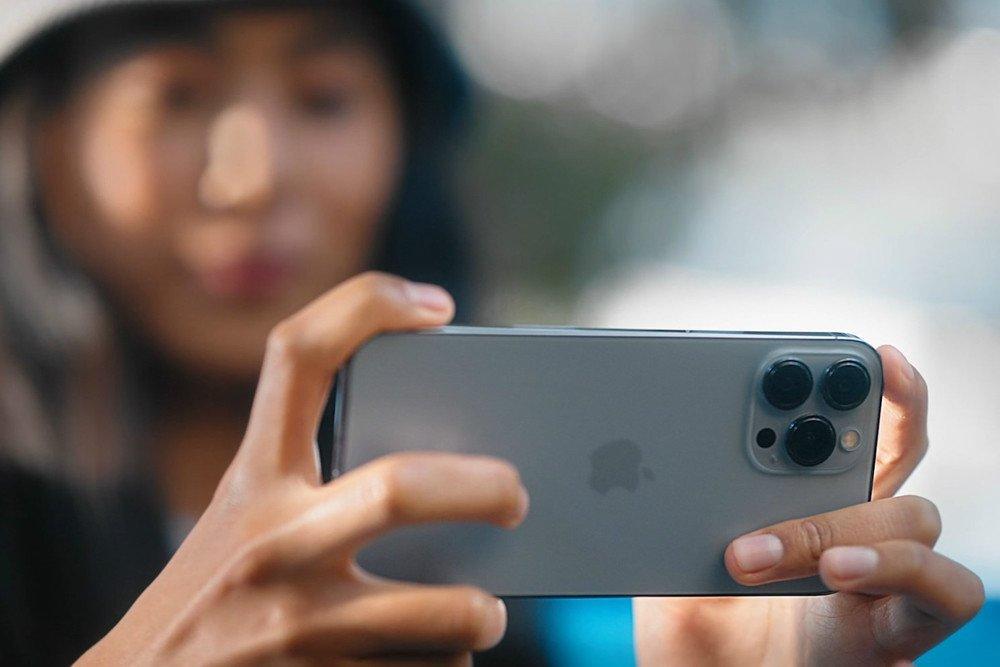 سه قابلیت مهم دوربین خانواده آیفون ۱۳