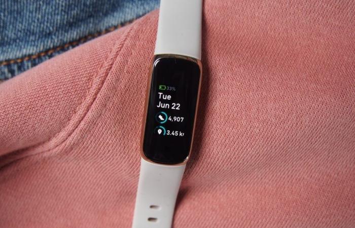 دو مدل از ساعتهای هوشمند فیتبیت به قابلیت ردیابی خروپف مجهز میشوند