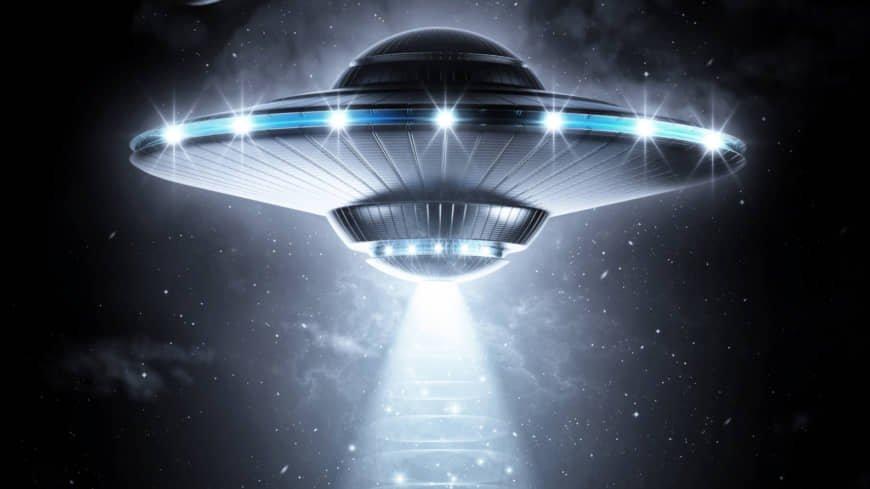 وقت آن رسیده که موجودات فضایی را جدی بگیریم: آیا آنچه آن شب دیدم بشقاب پرنده بود؟