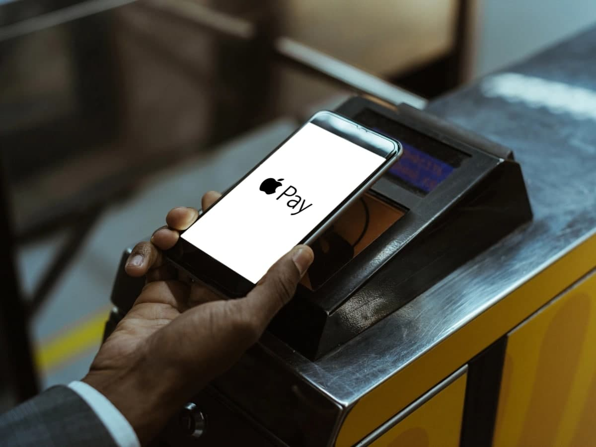 محققان بریتانیایی از باگ امنیتی سیستم پرداخت اپلپی و کارتهای ویزا خبر میدهند