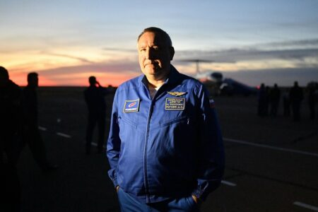 مدیر سازمان فضایی روسیه ایلان ماسک را برای صحبت درباره حیات فرازمینی به خانهاش دعوت کرد