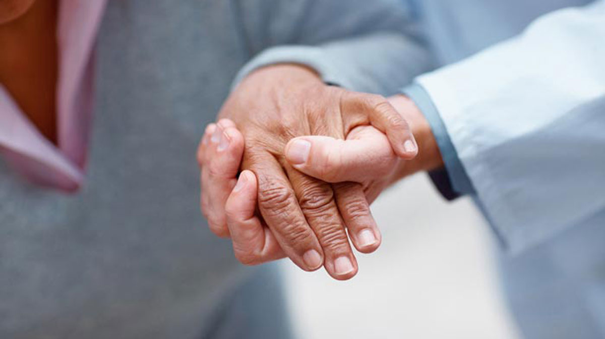 نگاهی به رابطه اپلیکیشنهای حوزه سلامت و سالمندان؛ آیا تکنولوژی به بهبود زندگی کمک میکند؟