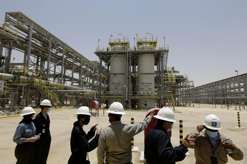 عربستان سعودی تا سال ۲۰۶۰ سطح انتشار کربن خود را به صفر میرساند
