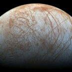 کشف بخار آب در قمر اروپای مشتری؛ این بخار تنها در یک نیمکره وجود دارد