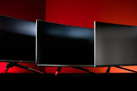 OLED ،LED ،LCD و microLED: هرآنچه باید درباره انواع نمایشگر بدانید