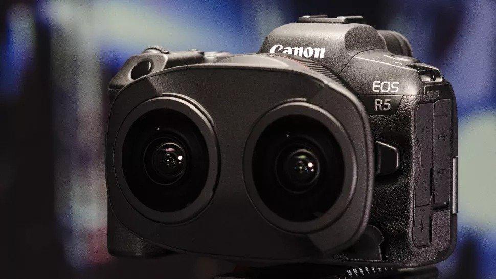 لنز جدید دوگانه کانن با قابلیت فیلمبرداری ۱۸۰ درجهای VR معرفی شد