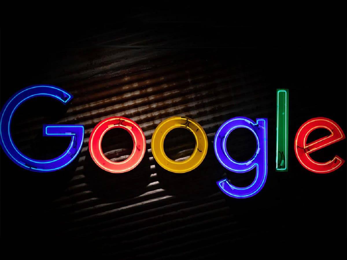 گوگل با کمک توییتر نمایش اخبار در جستجوهای کاربران را بهبود میبخشد