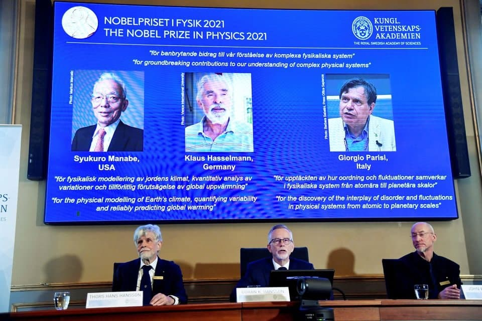 اخبارنوبل فیزیک ۲۰۲۱ به سه دانشمند برای بررسی سیستمهای فیزیکی پیچیده تعلق گرفت