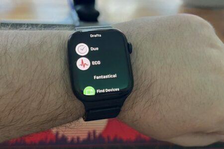 کاربران اپل واچ سری ۷ از عدم نمایش آیکون اپهای شخص ثالث روی نمایشگر خبر میدهند