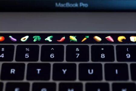 اپل بالاخره پس از ۵ سال قید «تاچ بار» در مک بوک پرو را زد