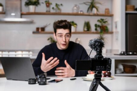 چطور یک دوربین مناسب برای ولاگ انتخاب کنیم؟