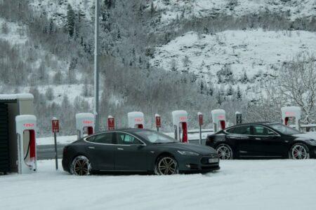 عرضه ۱۰۰ درصدی خودروهای برقی؛ خداحافظی نروژ با خودروهای بنزینی و دیزلی